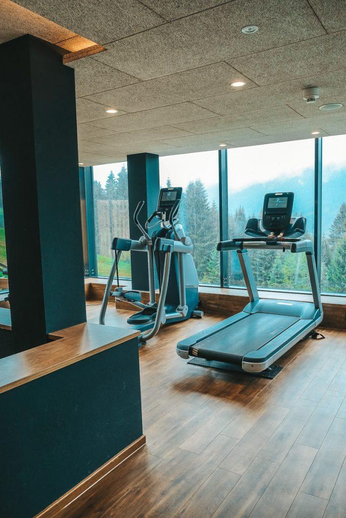 Wellnesshotel Allgäu mit Kindern Allgäuer Berghof Sport Fitnessstudio