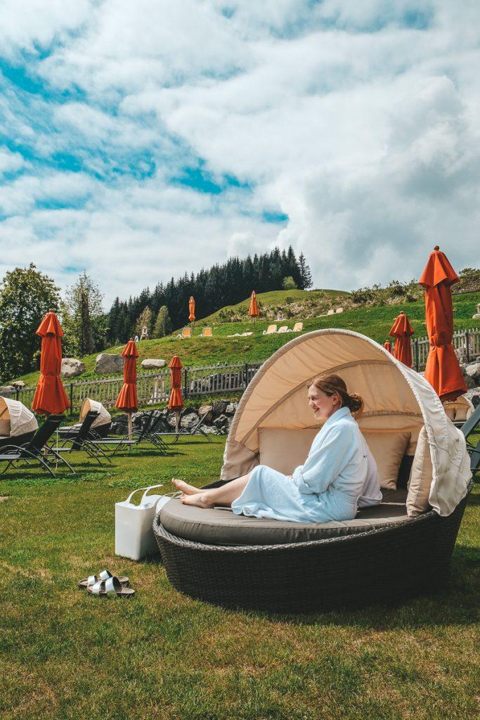 Wellnesshotel Allgäu mit Kindern Schwimmbad Sauna Dampfbad für die ganze Familie im Allgäuer Berghof Family Spa