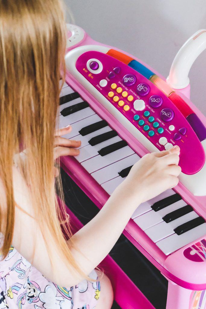 Simba Keyboard für Kinder in Rosa im Test auf Mamablog I need sunshine