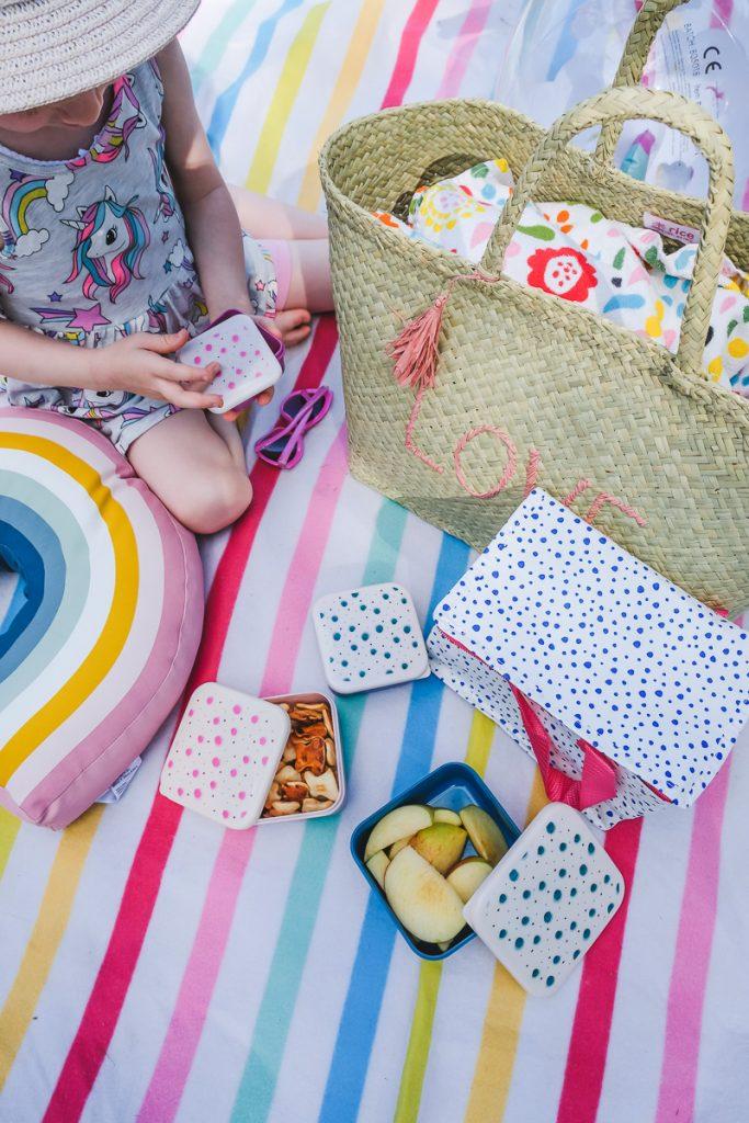 Vorratsdosen von Rice und Lunchbag von Moses Verlag für den Tag am See auf Mamablog Ineedsunshine