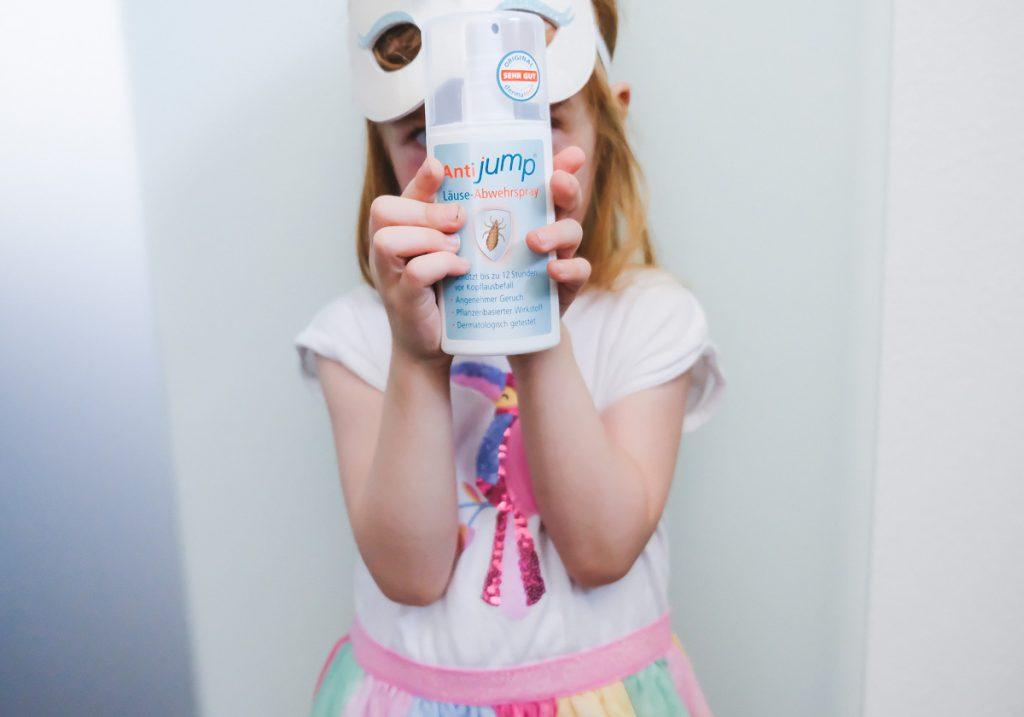 TIpps Kopfläuse vorbeugen Hilfe und Vorbeugung gegen Läuse im Kindergarten und Schule und AntiJump Erfahrungen auf Mamablog Ineedsunshine