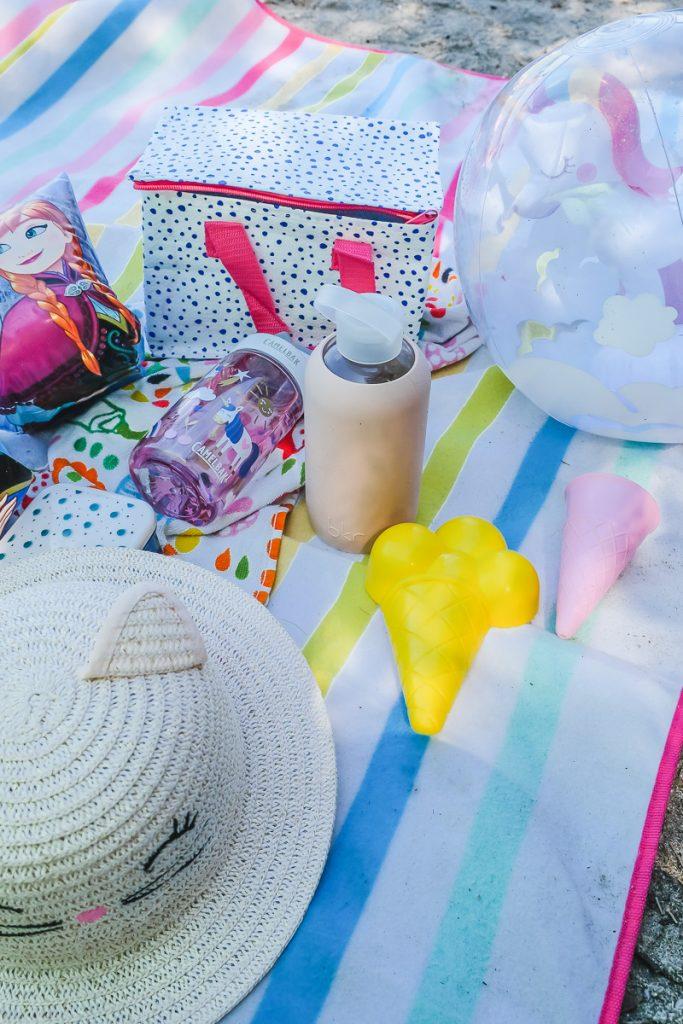 Tag am See was mitnehmen zum Schwimmen mit Kindern sowie Tipps für sicheres Baden auf Mamablog Ineedsunshine