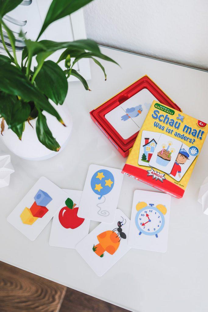 AMIO Schau mal was ist anders Kartenspiel für Kinder ab 4 Jahren im Test auf Mamablog Ineedsunshine