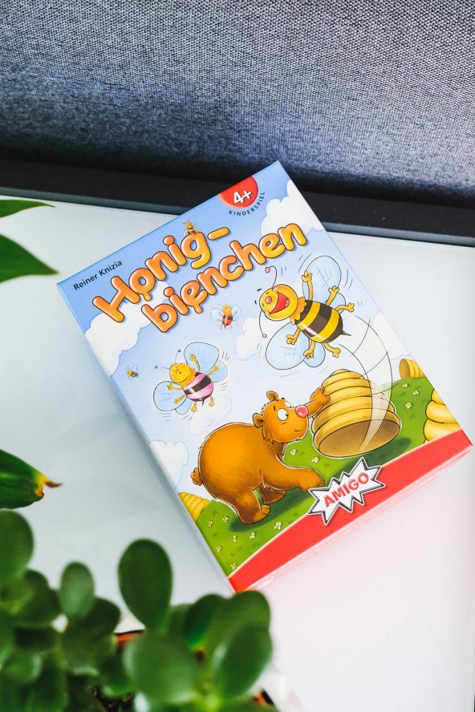 Spielidee für Kinder ab 4 Jahren Honigbienchen von AMIGO im Test auf Mamablog Ineedsunshine