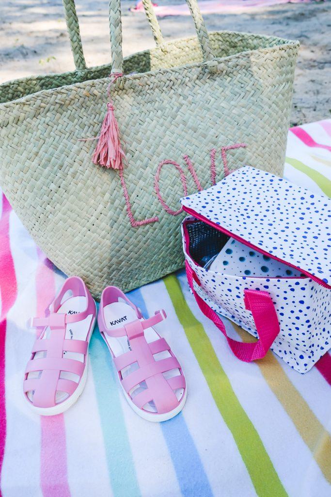 Kavat Badeschuhe Vorratsdosen von Rice und Lunchbag von Moses Verlag für den Tag am See auf Mamablog Ineedsunshine