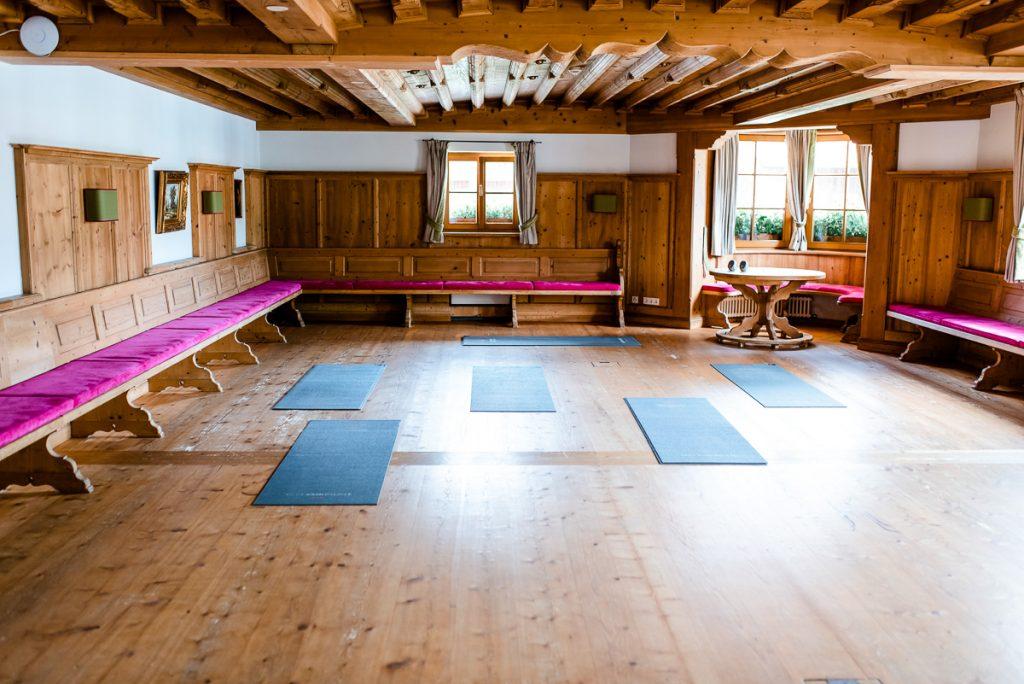 Yoga im Hotel Bachmair Weissach Erfahrungsbericht auf Mamablog Ineedsunshine