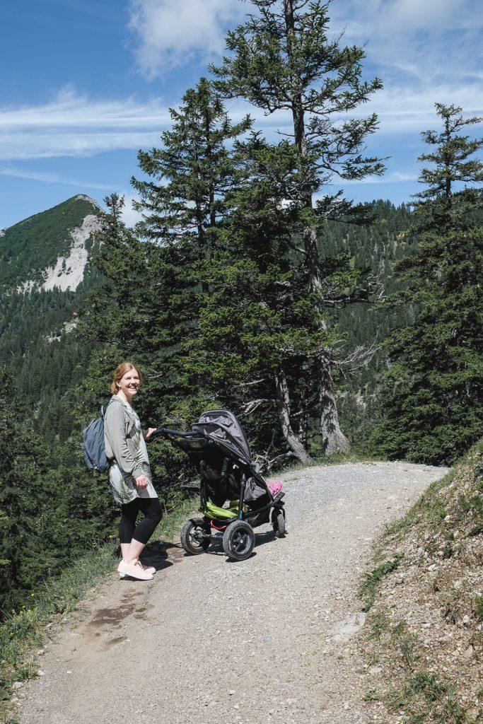 Liechtenstein mit Kindern Wandern auf der Entdeckertour mit Kinderwagen