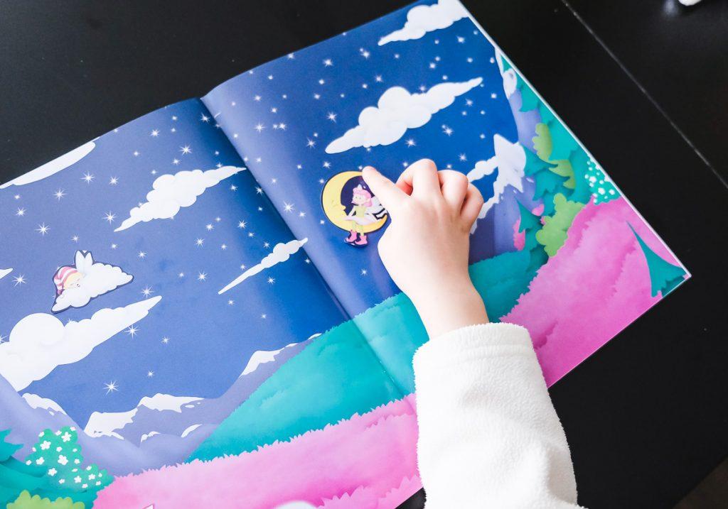 Stickerbuecher für Basteln mit Kleinkindern auf Mamablog Ineedsunshine