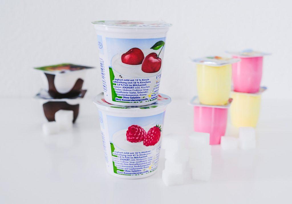 Zuckerfallen für Kinder Fruchtjoghurt Furchtzwerge Kinderpudding haben viel Zucker besser Naturjoghurt auf Mamablog Ineedsunshine