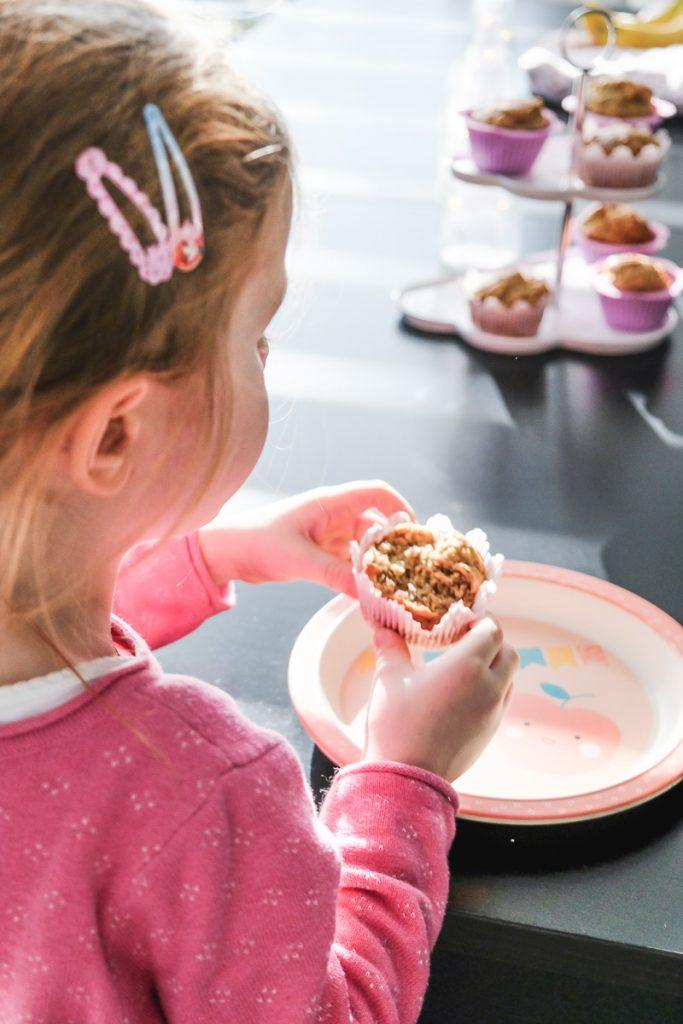 Vegane Erdnussbutter Bananen Muffins Rezept ohne Zucker schnell einfach Backen für Kinder
