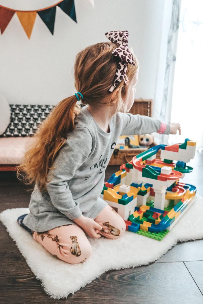 Kinderspiele Beschäftigung Kinder zu Hause