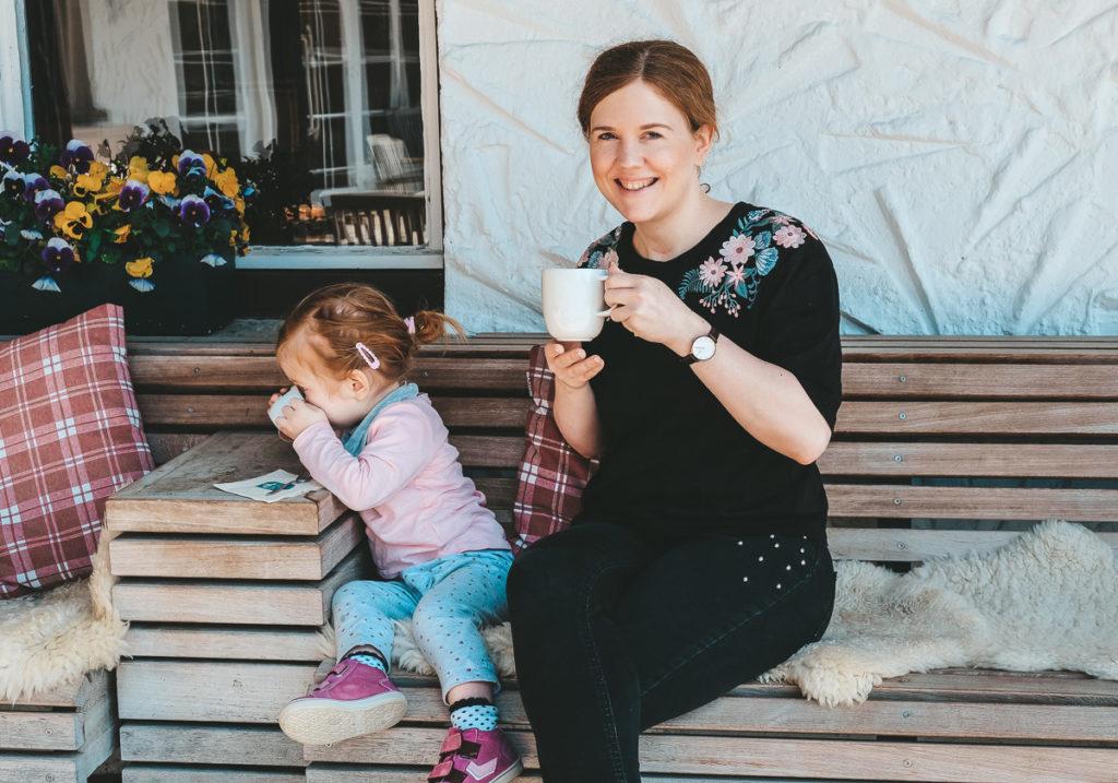 Zusammenhalt in der Familie stärken auf Mamablog Ineedsunshine