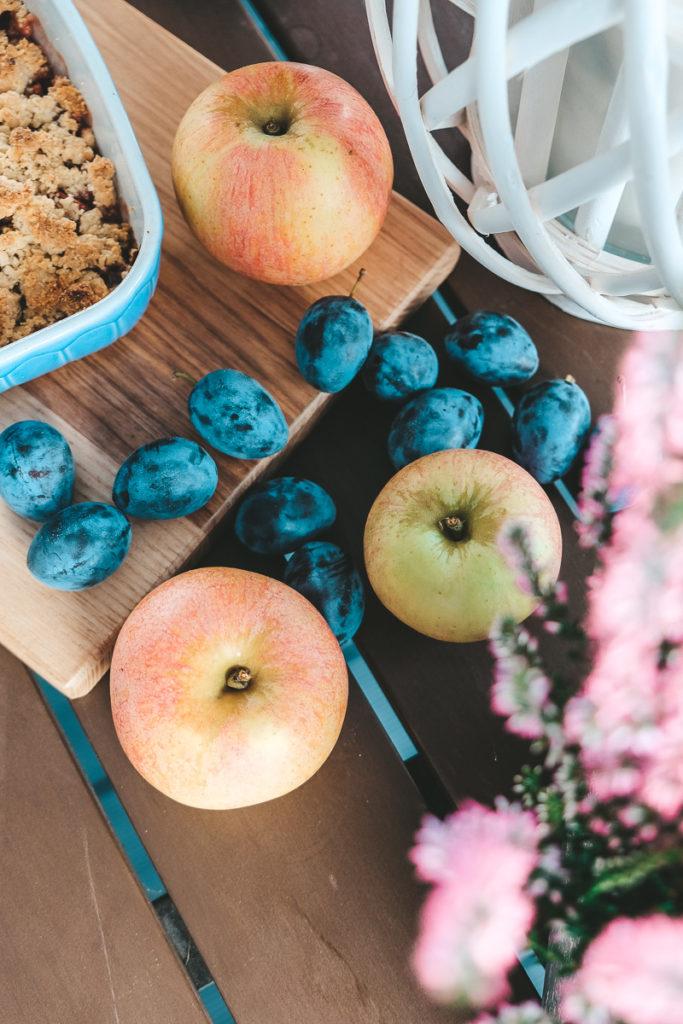 Crumble Rezept mit Zwetschgen und Äpfeln