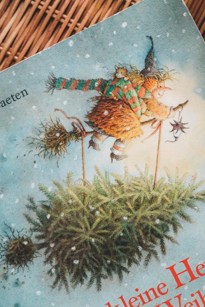 Die kleine Hexe feiert Weihnachten