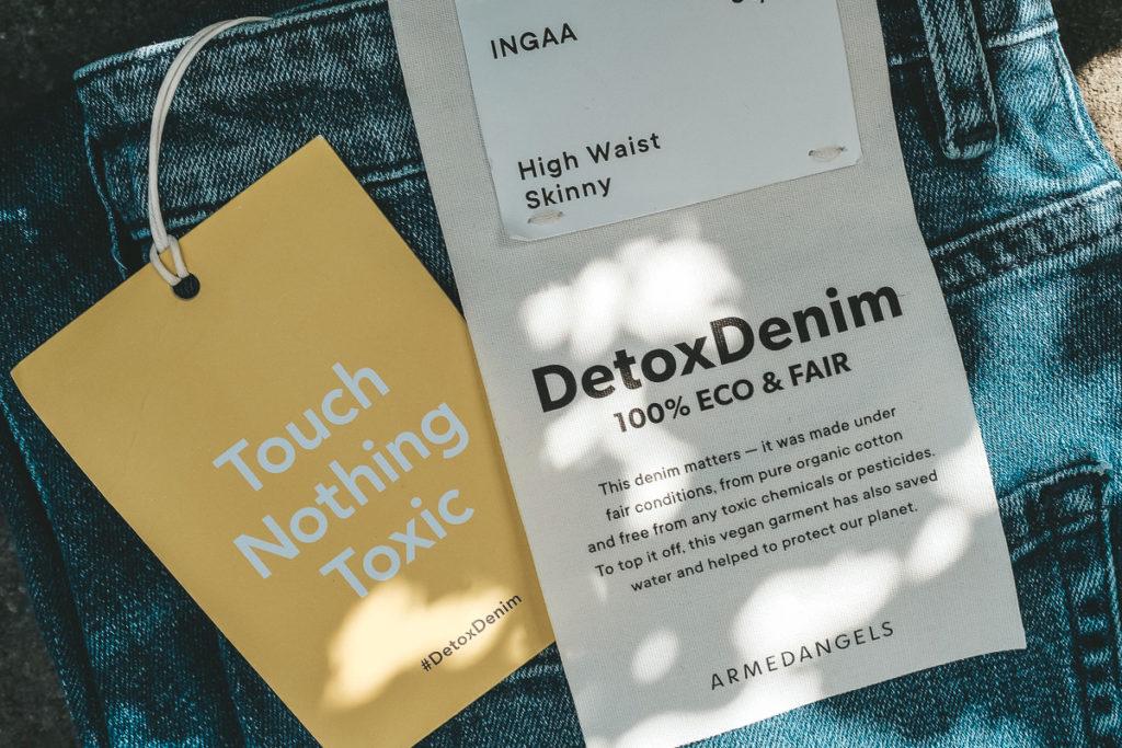 Armedangels Jeans nachhaltig fair Detoxdenim